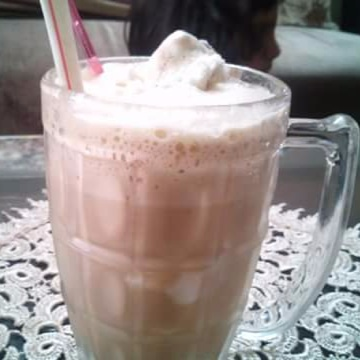 How to make Cold coffee with vanilla ice cream
