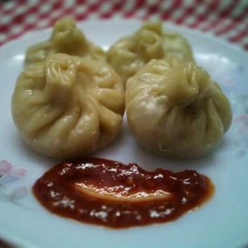 How to make Steamed Chicken Momos