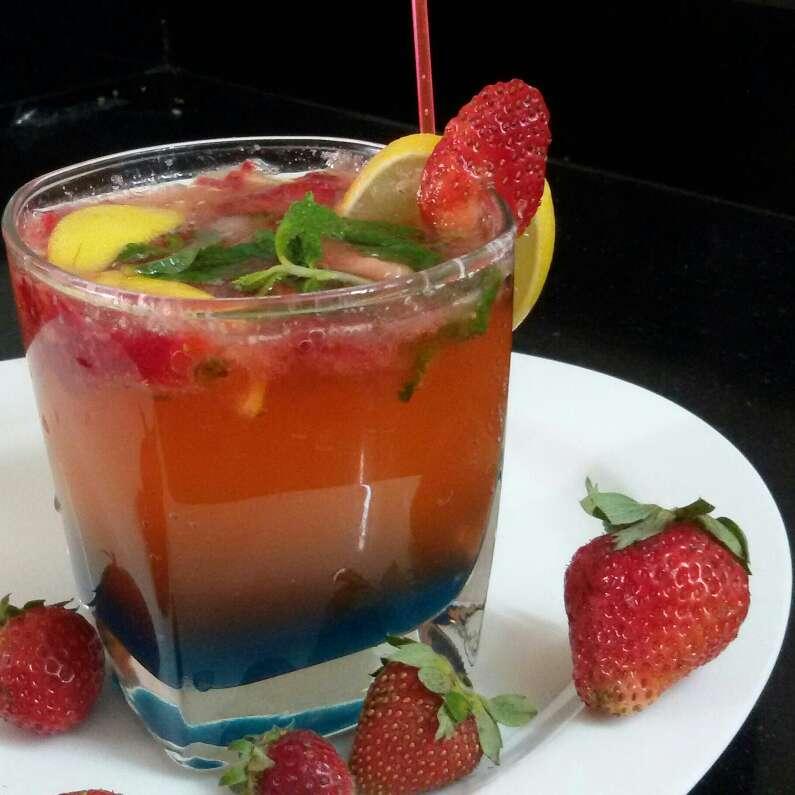How to make Strawberry Virgin Mojito