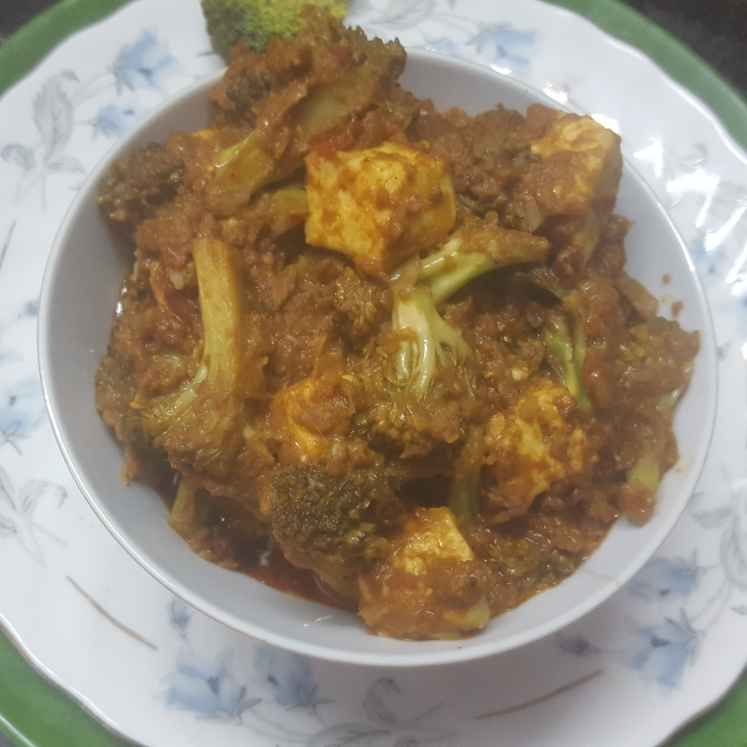 How to make Broccoli with panneer sindhi masala