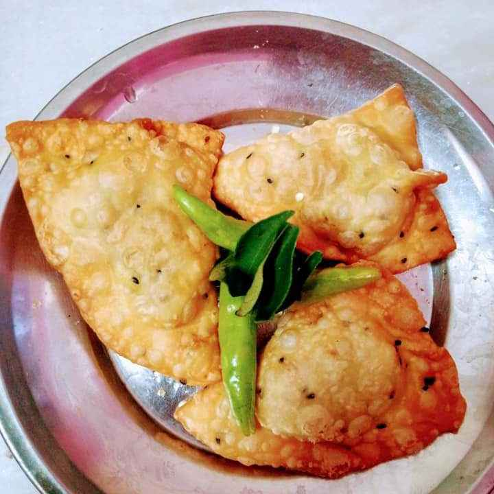 Photo of ALU samosa by Mukka Priyankaravi at BetterButter