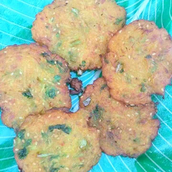 How to make Dudhiche vade