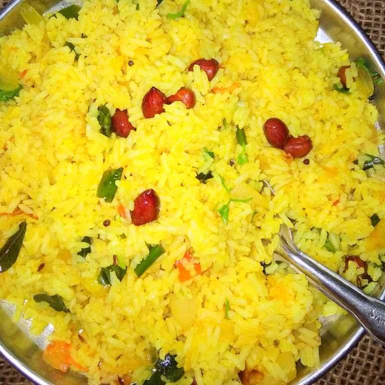How to make Fodnicha bhat