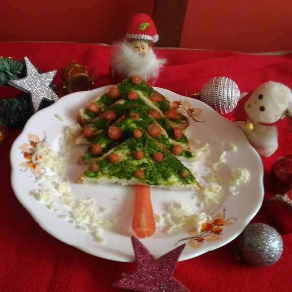 Photo of CHRISTMAS TREE SANDWICH by Mukti Sahay at BetterButter