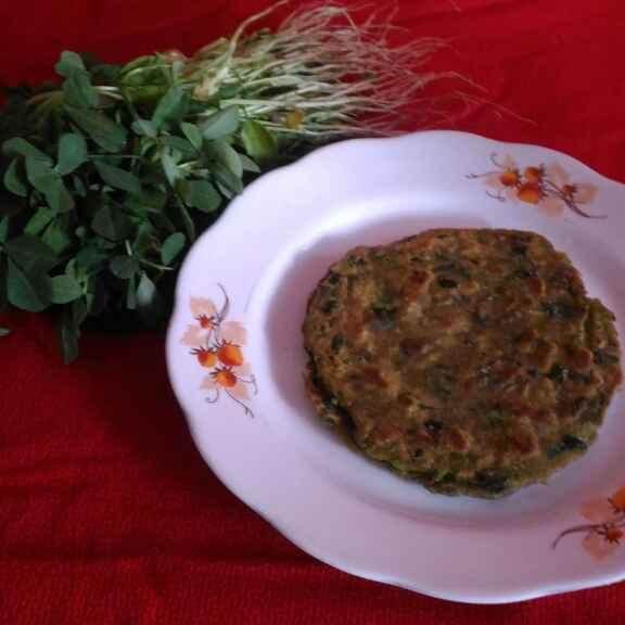 How to make Matar and methi paratha