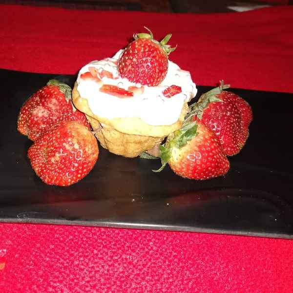 How to make STRAWBERRY FRUIT CREAM IN BISCUIT TART
