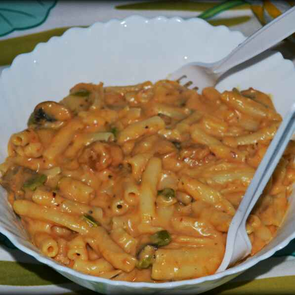 How to make Pasta in white&Red sauce