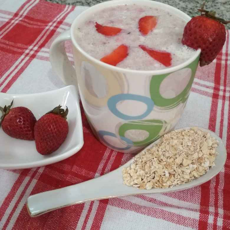 Photo of Healthy Strawberry-Oat smoothie. by Naheed Alam at BetterButter