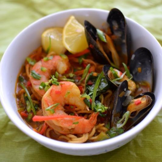 How to make Seafood Thukpa