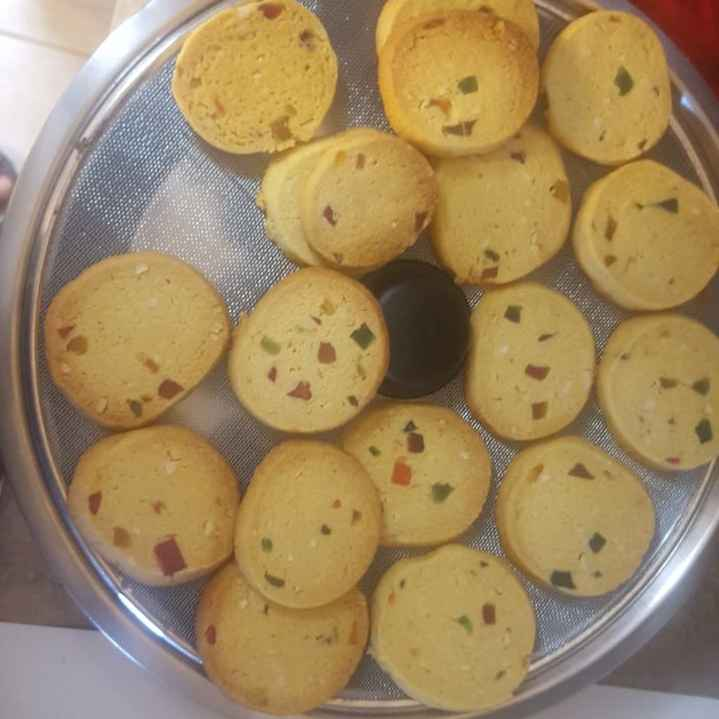 How to make Karachi biscuits
