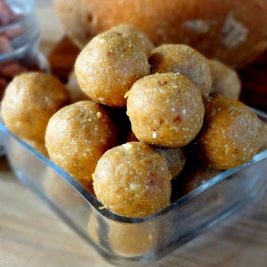 How to make Peanut Oats and Jaggery Laddu