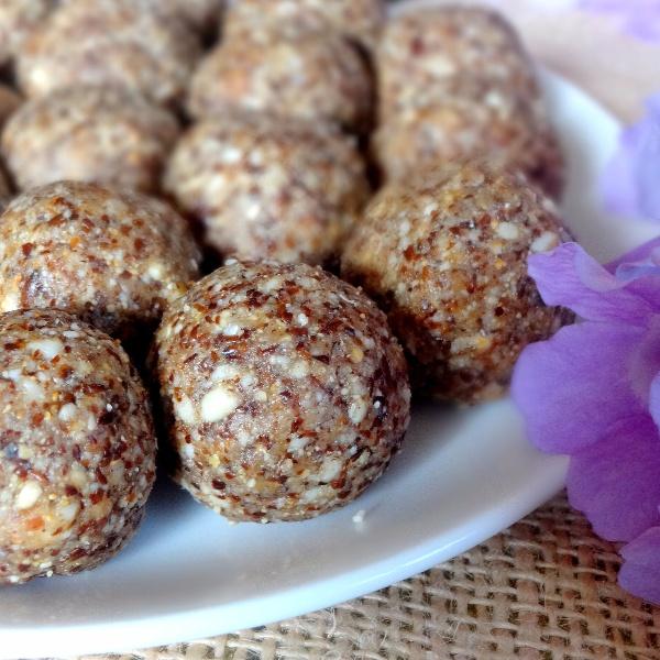 How to make Flaxseed Jaggery Laddu