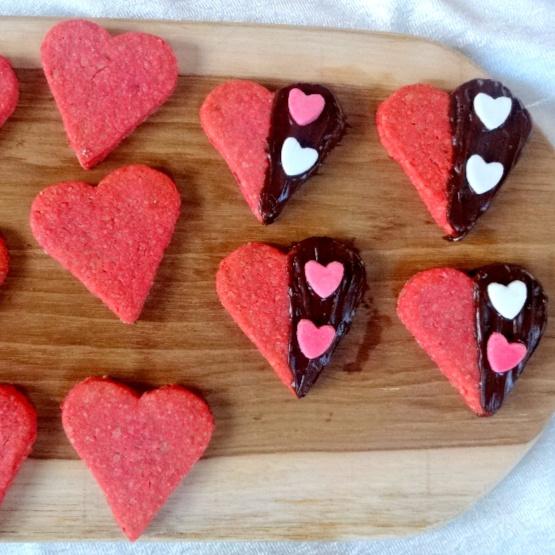 How to make Heart Beets | Wholegrain Beet Cookies
