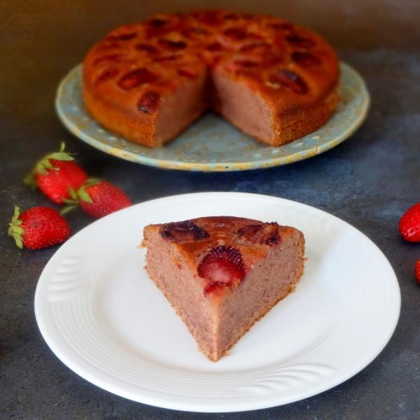 How to make Eggless Strawberry Cake
