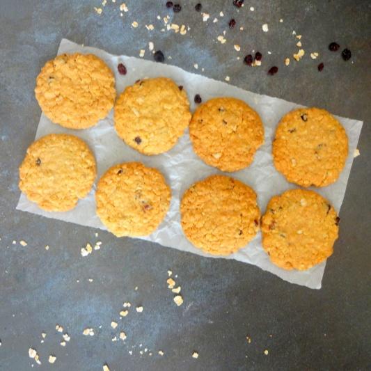 How to make Wholegrain Oats Mixed Berry Cookies