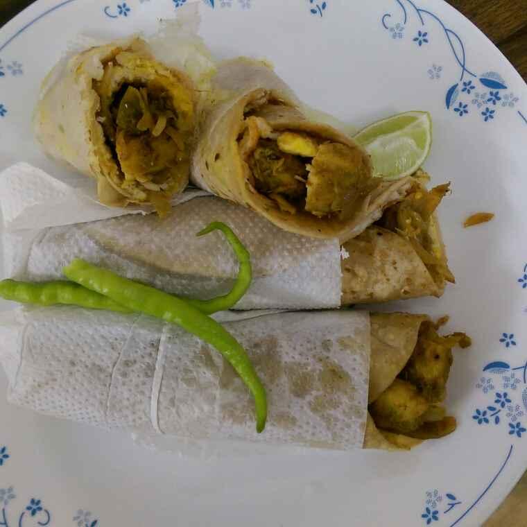 How to make Egg Chicken Roll (Kolkata Style)