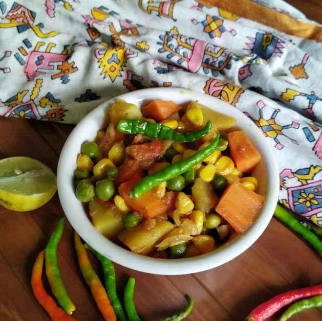 Photo of Sweet corn mixed veg curry by Nandini Syam at BetterButter