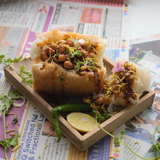 How to make Indian Misal Bunny Chow
