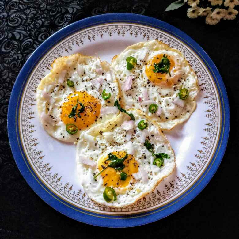 Photo of Half boiled egg omelette by Navas Banu L at BetterButter