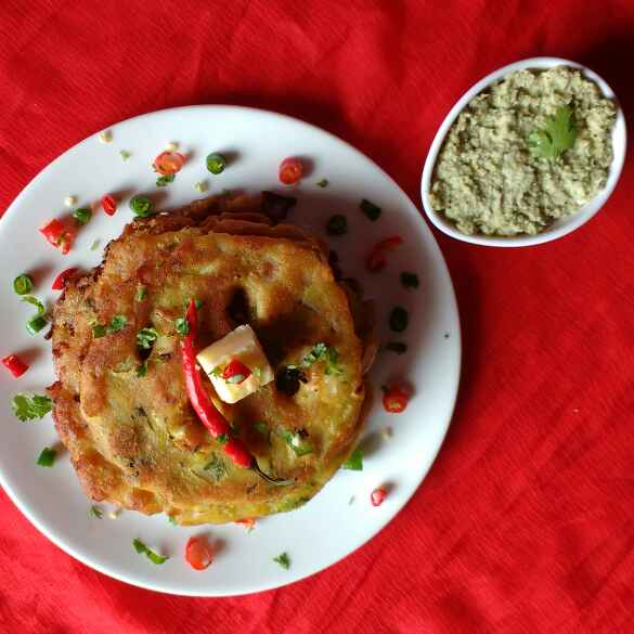 How to make Thalipeeth from leftover poha