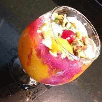 How to make स्ट्राॅबेरी बांसुदी फालुदा