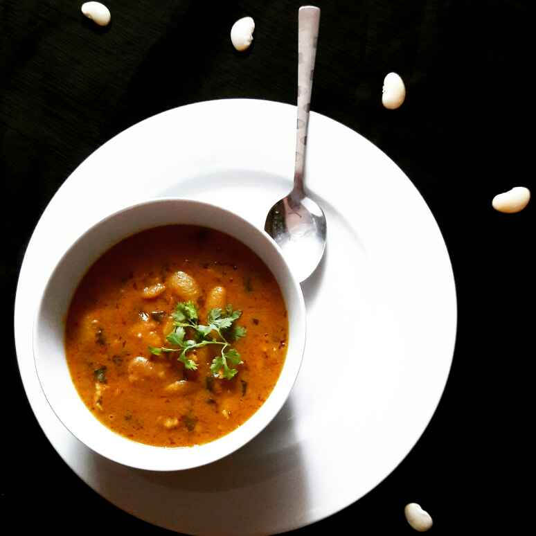 Photo of Spicy Desi Vaal Curry /White Kidney Beans Curry by Neelam Barot at BetterButter
