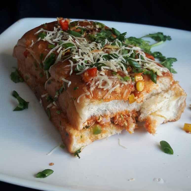 Photo of Stuffed Schezwan Cheese Pav by Neelam Barot at BetterButter