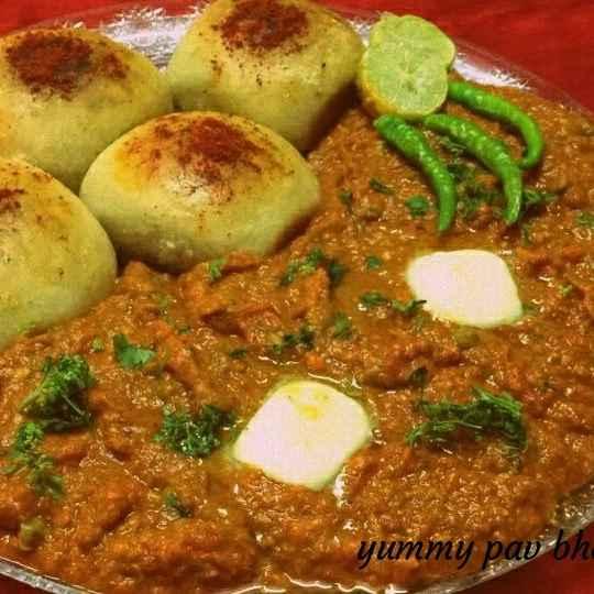 Photo of Pav bhaji (mumbai ka mashur street food ) by Neelam Gupta at BetterButter
