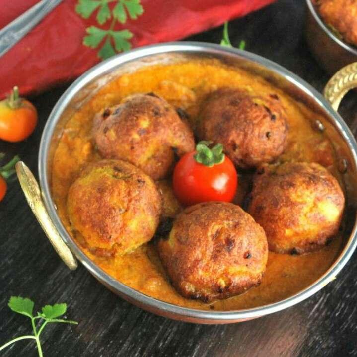 How to make Paneer Kofta in Coconut Gravy