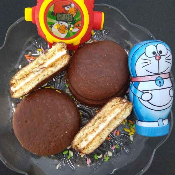 Photo of Bache hue biscuit se choco pie by Neeru Gupta at BetterButter