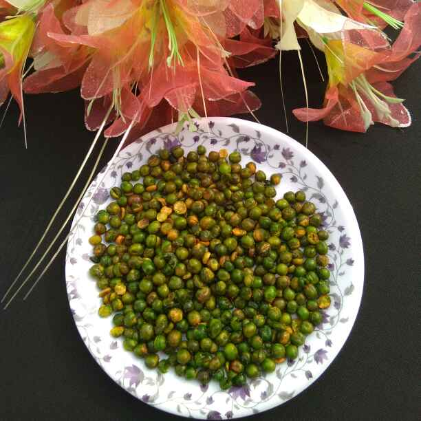 How to make Spicy green peas