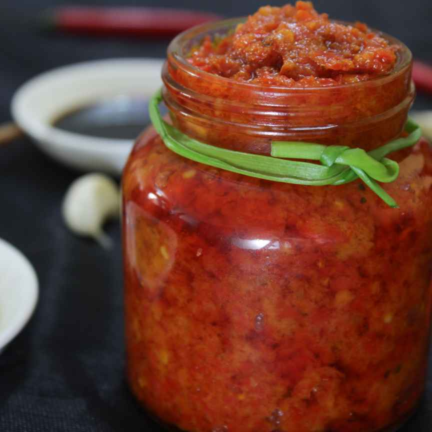 How to make Hot Chilli Garlic Sauce