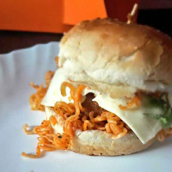 How to make Maggi Noodle Burger