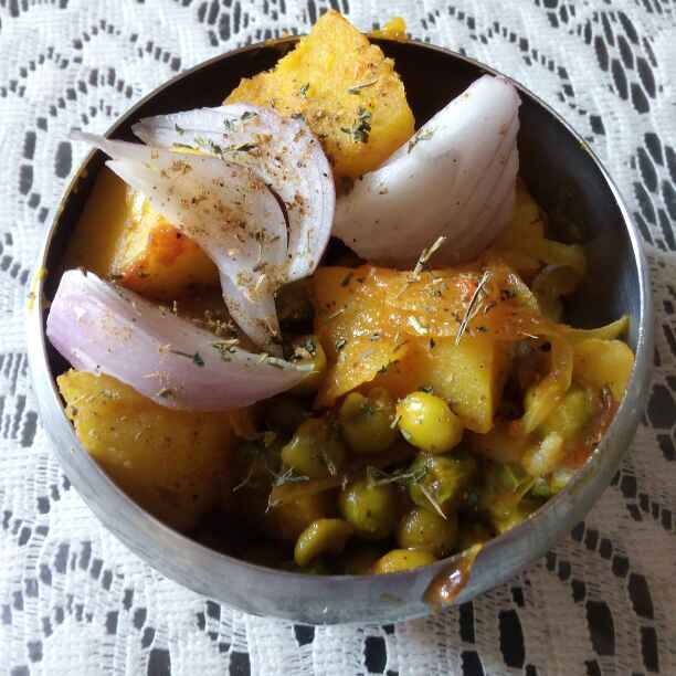 How to make Matar Aloo