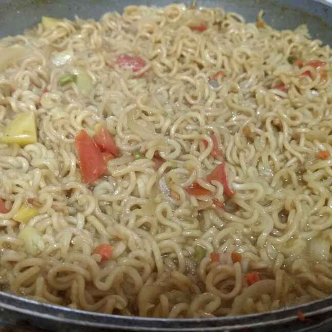 How to make Veggie yum Maggi