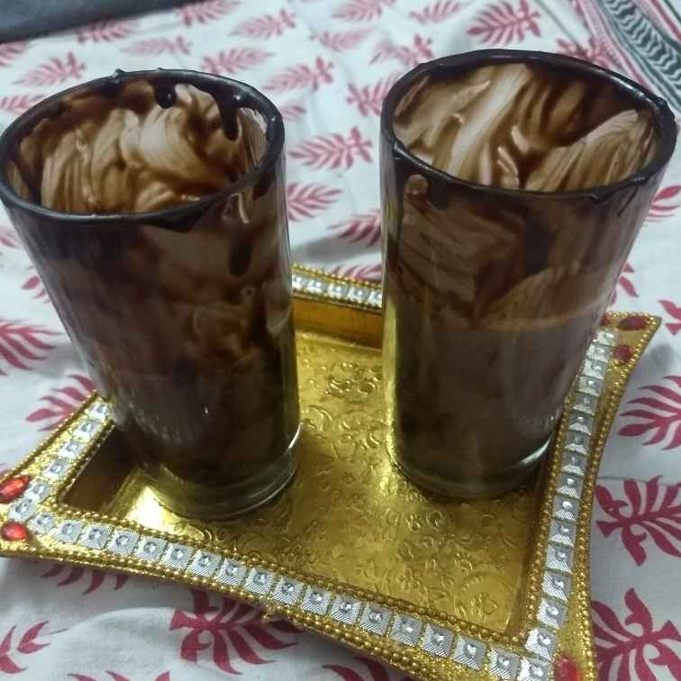 How to make Banana chocolate shake