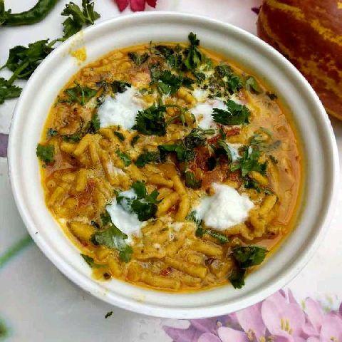 How to make इंदौर स्पेशल सेंव की सब्ज़ी