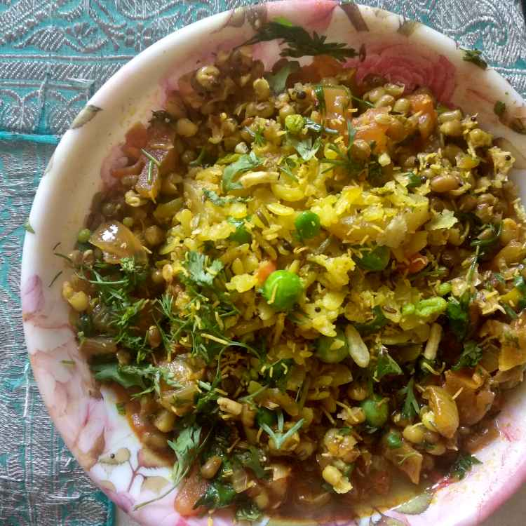 Photo of Usal poha by Nidhi Joshi at BetterButter
