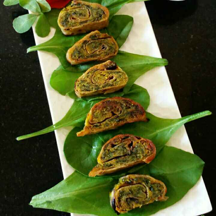 How to make Palak,Methi chapati bhakarwadi