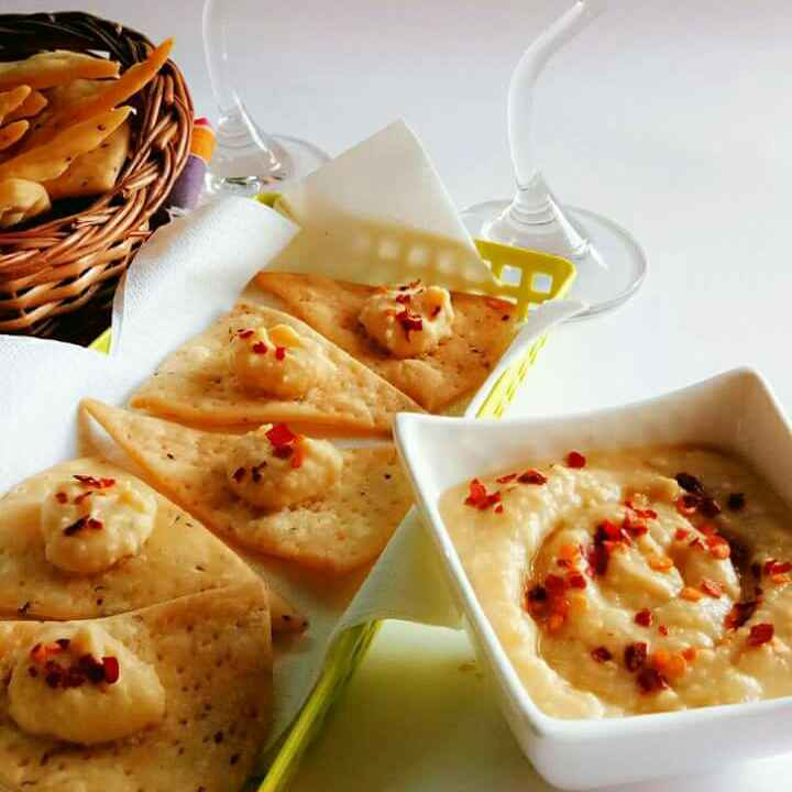 Photo of Baked mix daal crackers with chana chillly humus by Nidhi Seth at BetterButter