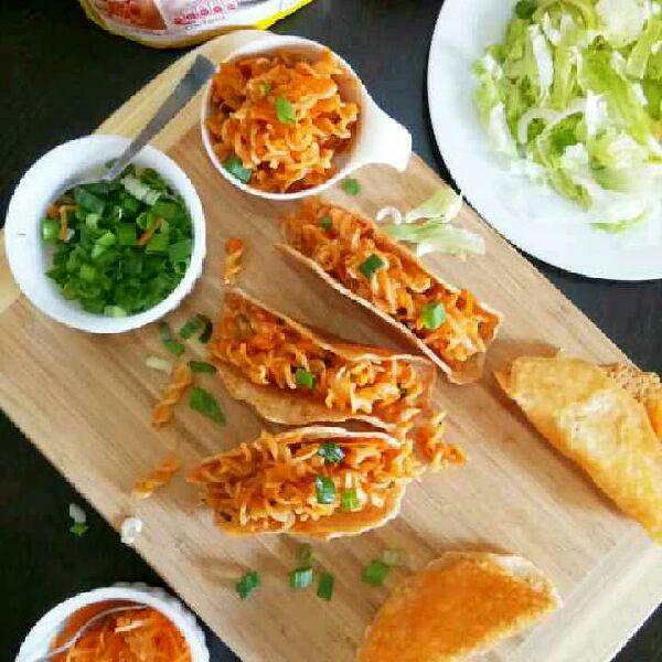 How to make Mozzarella shell tomato Pazzta taco