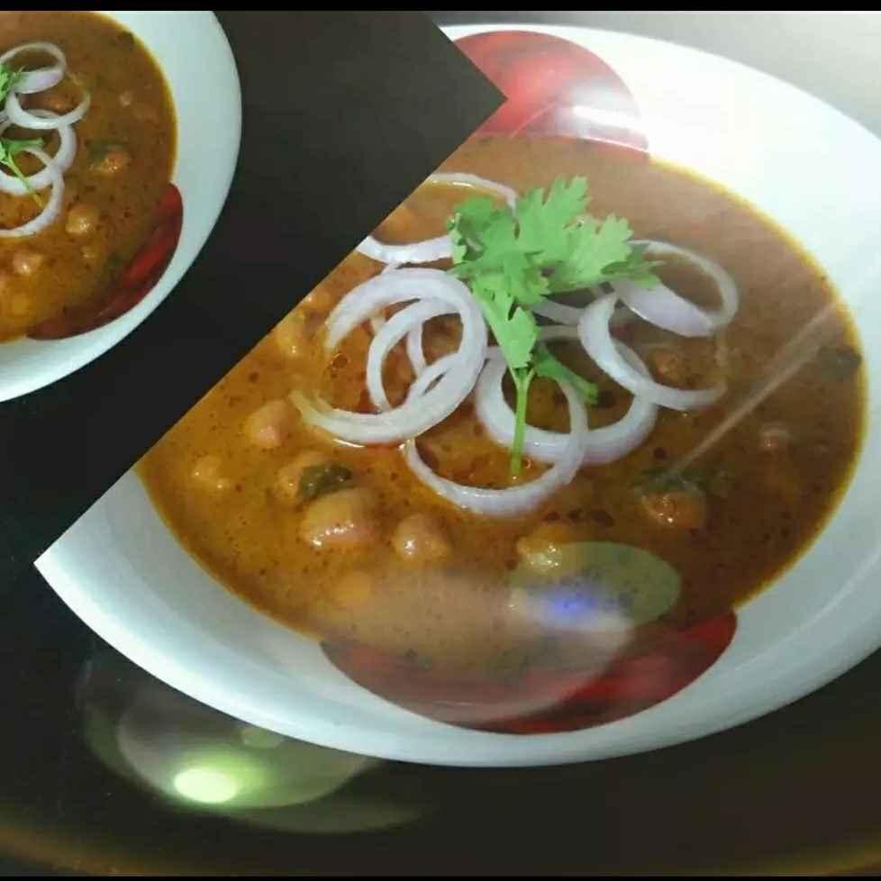 "Photo of Mansoon mania ""Delicious punjabi chole/chickpeas curry"" by Nikita Nebhnani (sia tilwani) at BetterButter"