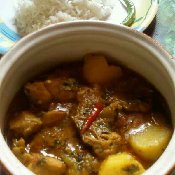 Photo of Bengali style sunday special chicken curry by Nilanjana Bhattacharjee at BetterButter