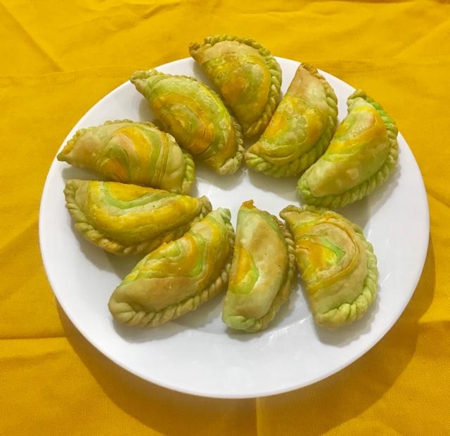 How to make layered gujiya pithe