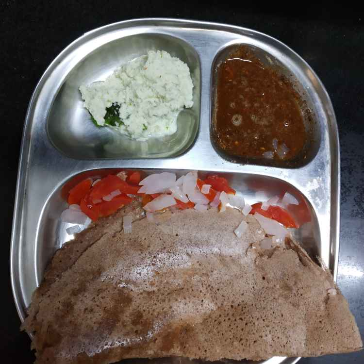 Photo of Kambu dosai kollu podi pachai milagai chutney by nilopher meeralavai at BetterButter