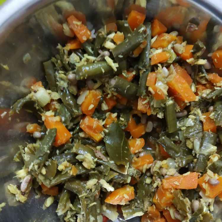 Photo of Karamani carrot poriyal by nilopher meeralavai at BetterButter