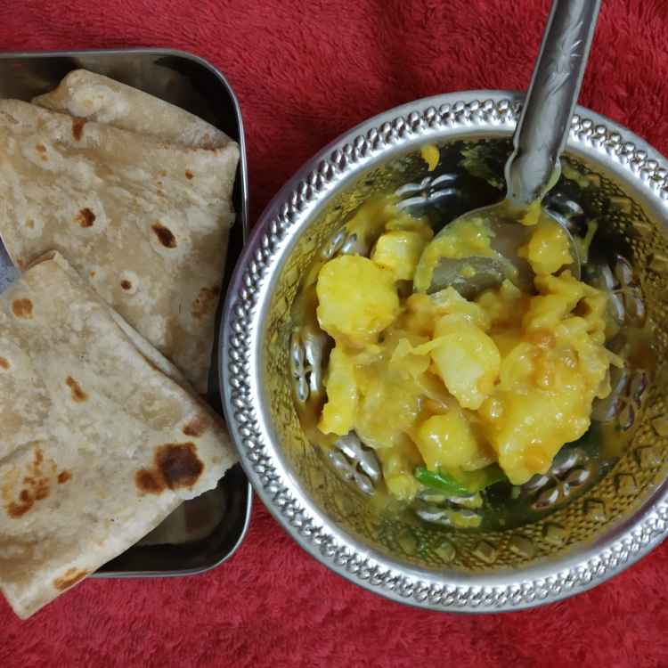 Photo of Chapati kilangu poriyal by nilopher meeralavai at BetterButter