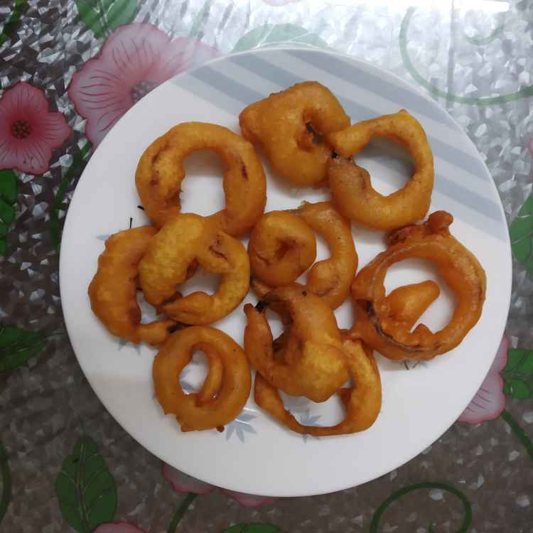 Photo of Onion ring bajji by nilopher meeralavai at BetterButter