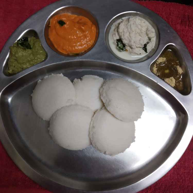 Photo of Road side shop idli chutney by nilopher meeralavai at BetterButter