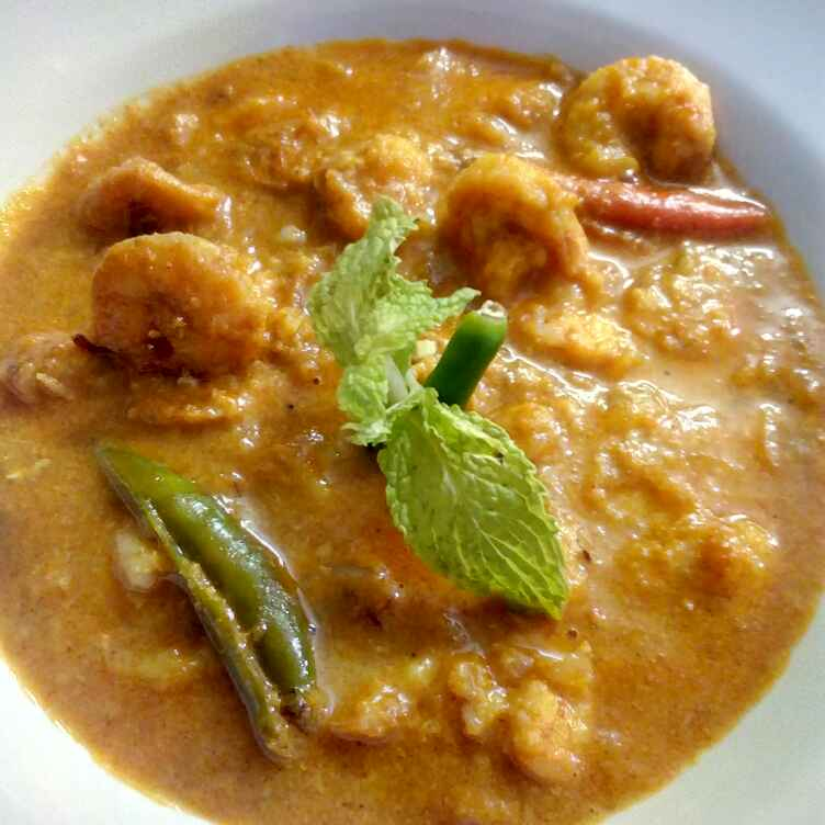 How to make Malai Prawns Curry